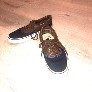 Shoes - Vans tennis shoes